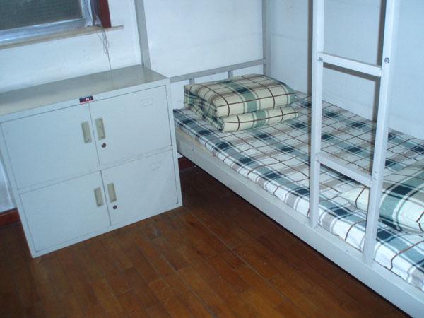 住宿求职公寓柜子